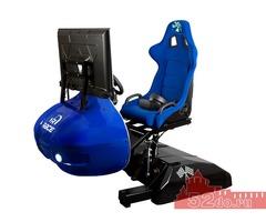 VR автосимулятор на подвижном кресле.